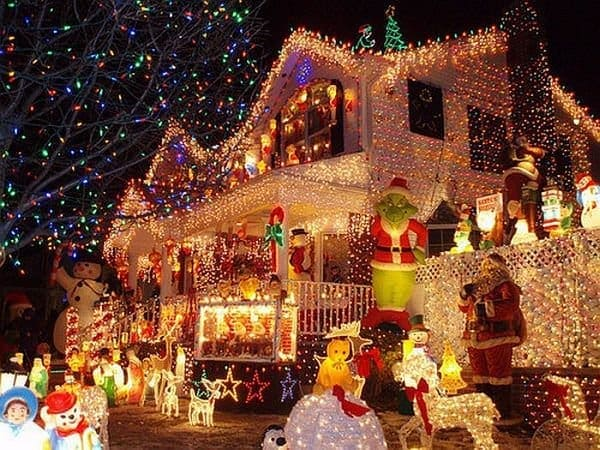 Las 14 decoraciones navideñas más locas del año